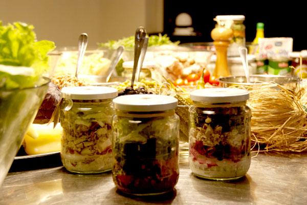 Tegla's salate u tegli