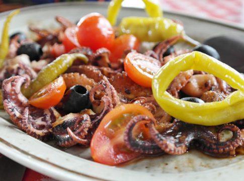 salata sa hobotnicom