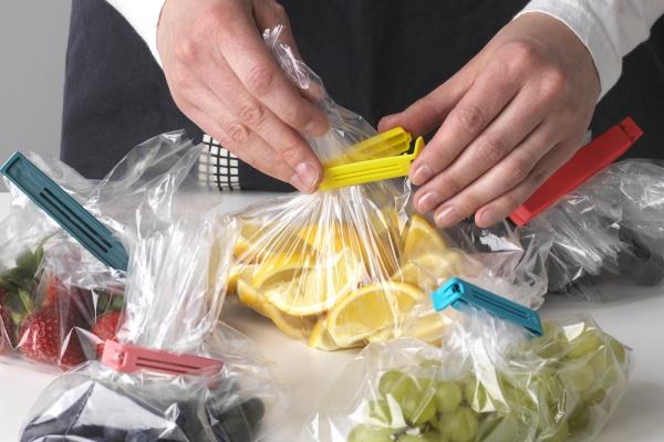 Koristite štipaljke BEVARA koje će pomoći da se očuvaju izvorni ukusi