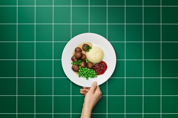 Ikea biljne ćuftice se prave od proteina žutog graška, ovasa, krompira, luka i jabuke