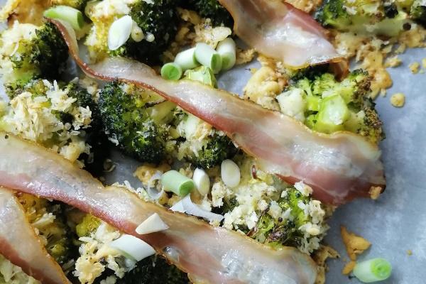 Brokoli sa panko i parmezanom
